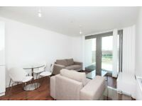 Modern 1 Bed Apartment with Terrace in Pontoon Dock, close to DLR, Canning Town, Concierge, Gym- SA