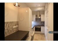Studio flat in Yelverton Road, Bournemouth, BH1 (#1119679)