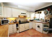 3 bedroom house in Strand Street, Sandwich, CT13 (3 bed)