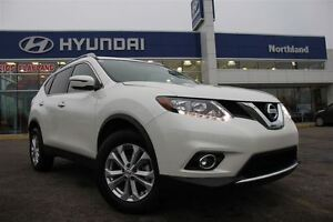 2016 Nissan Rogue SV/Pano Sunroof/LOW KM's/HTD Seats/AWD