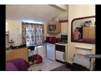 1 bedroom flat in Clarence Avenue, Northampton, NN2 (1 bed)