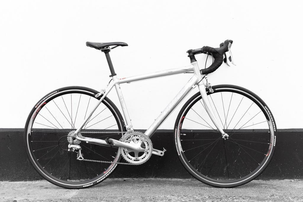 Road bicycle Specialized allez sport 54 cm (new parts)   in Plaistow ...