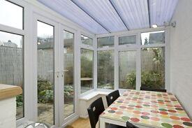 Huge ground floor apartment in Kennington with private garden