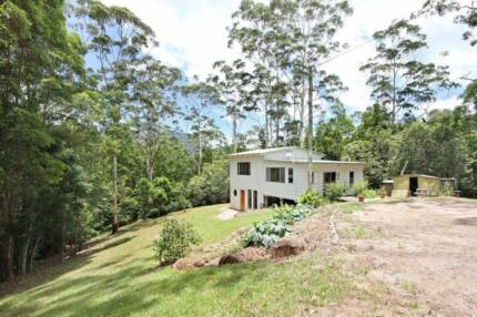 Quirky home for rent in peaceful Tallebudgera Valley