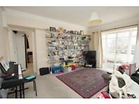 2 bedroom flat in Hornsey Lane, Highgate