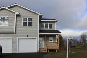 Beautiful Brand New 3 Bedroom Townhouse East For Rent!!