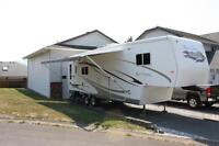 2004 33 FT. TRAVEL SUPREME RIVER CANYON 5TH WHEEL. EXCELLENT CON