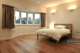 1 bedroom in Woodstock Road, London, NW11 (#1127449)