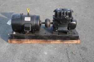 GENERAL ELECTRIC Induction Motor W/ Gear Reducer