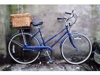 FREE SPIRIT. 21 inch. Vintage ladies womens dutch style traditional road bike, 3 speed. With basket