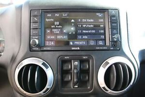 2014 Jeep Wrangler Unlimited Sahara *ONE OWNER* London Ontario image 6