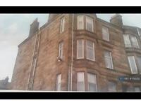 1 bedroom flat in Castle Gardens, Gourock, PA19 (1 bed)