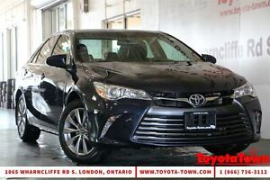 2015 Toyota Camry SINGLE OWNER LOW MILEAGE XLE BLINDSPOT MONITOR