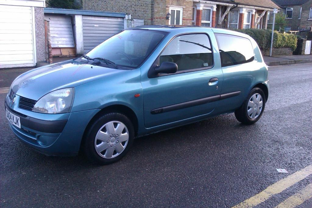 Renault Clio 2004 Sedan Renault Clio 2004 1 2 Good