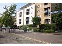 +Fantastic top floor 2 bed 2 bath apartment w/ balcony & direct river view, Mudchute DLR E14