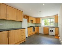 Amazing four bedroom house on the popular Ramsden Road seconds to Balham Tube