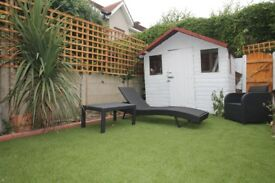 LARGE DOUBLE ROOM AVAILABLE WITH DIRECT GARDEN ACCESS !!!!!