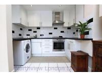 2 bedroom flat in Hanley Road, Finsbury Park, N4