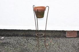 Plant pot & stand.