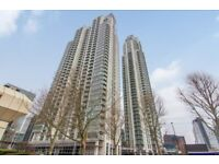 1 bed apartment in Pan peninsula building Canary wharf, South Quay, gym and concierge access-tg
