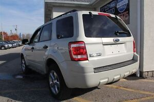 2009 Ford Escape XLT Automatic 3.0L Windsor Region Ontario image 3
