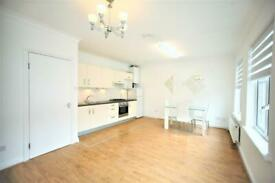 2 bedroom flat in Finchley Road, Temple Fortune, NW11