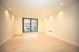 2 bedroom flat in Tenby Mansions, Brent Street, Hendon, NW4