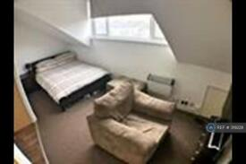 Studio flat in Irwin Approach, Leeds, LS15