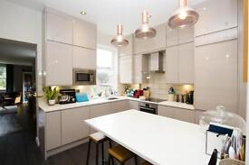 2 bedroom flat in Highgate Hill, London