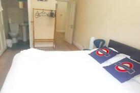 2 bedroom flat in Craven Road, London, W2