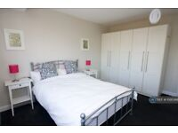 1 bedroom in Long Lane, Staines-Upon-Thames, TW19 (#1095368)