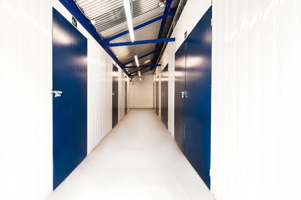 **20' SEA CONTAINERS**DRIVE UP STORAGE UNITS** INTERNAL