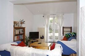 **Great 4 bed property with private garden and a short walk to the Clapham tube station**