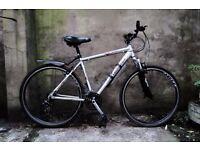CLAUD BUTLER URBAN 200, 20 inch, 51 cm, hybrid road city bike, 21 speed
