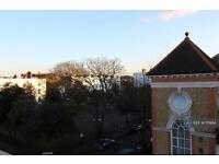 3 bedroom flat in Liston Road, London, SW4 (3 bed)