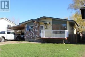 548 Poplar CRES Shaunavon, Saskatchewan