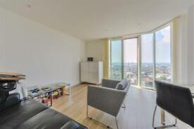 1 bedroom flat in Pinnacle Apartments, Saffron Square, Croydon CR0