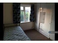 1 bedroom in Claremont Road, London, NW2