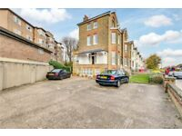 A bright and spacious one bedroom flat situated on Richmond Hill.