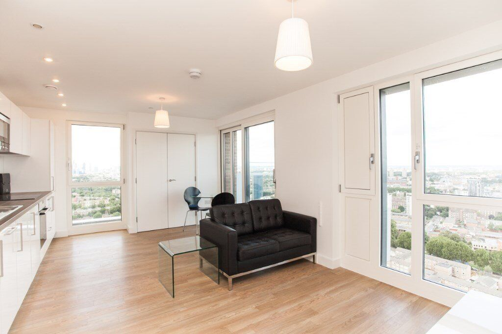 # Beautiful studio coming available soon on the 24th floor in marner point - Bow