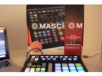 Native Maschine MK2 + Focusrite Scarlett 2i2 Soundcard.