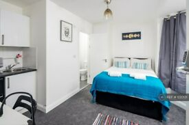 1 bedroom in Tokyngton Avenue, Wembley, HA9 (#1220131)