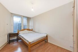 2 bedroom flat in Kennington, 1 minute away from tube station