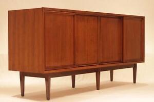 Vintage Mid Century Modern Walnut Sideboard - Great credenza