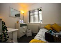 1 bedroom in Langworthy Road, Salford, M6 (#1196597)