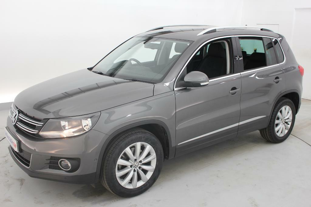 volkswagen tiguan 2 0 tdi bluemotion tech match 5dr 2wd grey 2014 in crawley west sussex. Black Bedroom Furniture Sets. Home Design Ideas
