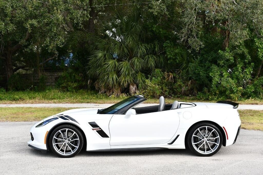 2017 White Chevrolet Corvette Convertible 3LT | C7 Corvette Photo 3