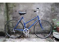 DAWES CIVIC, Reynolds , vintage ladies women's dutch style mixte frame road bike, 21 inch, 5 speed