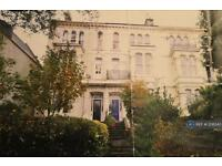 2 bedroom flat in Connaught Ave, Plymouth, PL4 (2 bed)