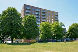 3 bedroom flat in Meranti Apartments, Deptford Landings, Deptford SE8